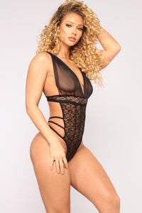 Provocative Babe Lace Teddy - Black