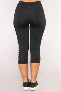 Sports Illustrated Active Capri Leggings- Black Angle 6