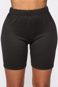 Still Don't Know Biker Short - Black