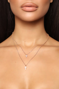 Crossed My Min Layered Necklace - Gold