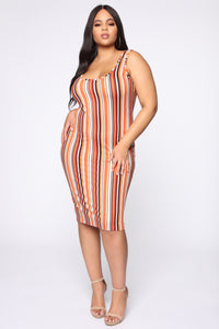 Keep Me Company Midi Dress - Rust/Combo