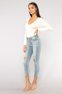Katarina Distressed Jeans - Light Wash