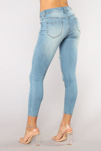 Take Me There Ankle Jeans - Light Blue Wash