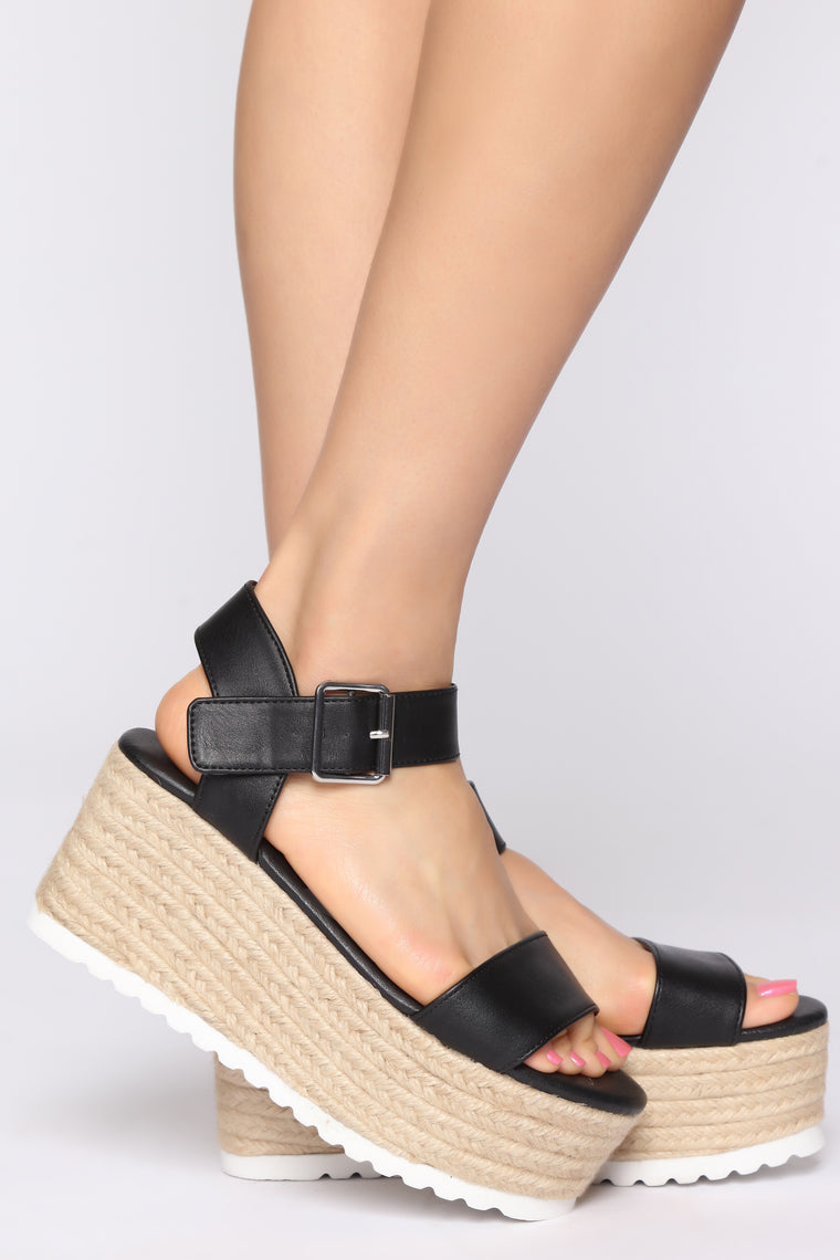 Left Me In Awe Wedge - Black