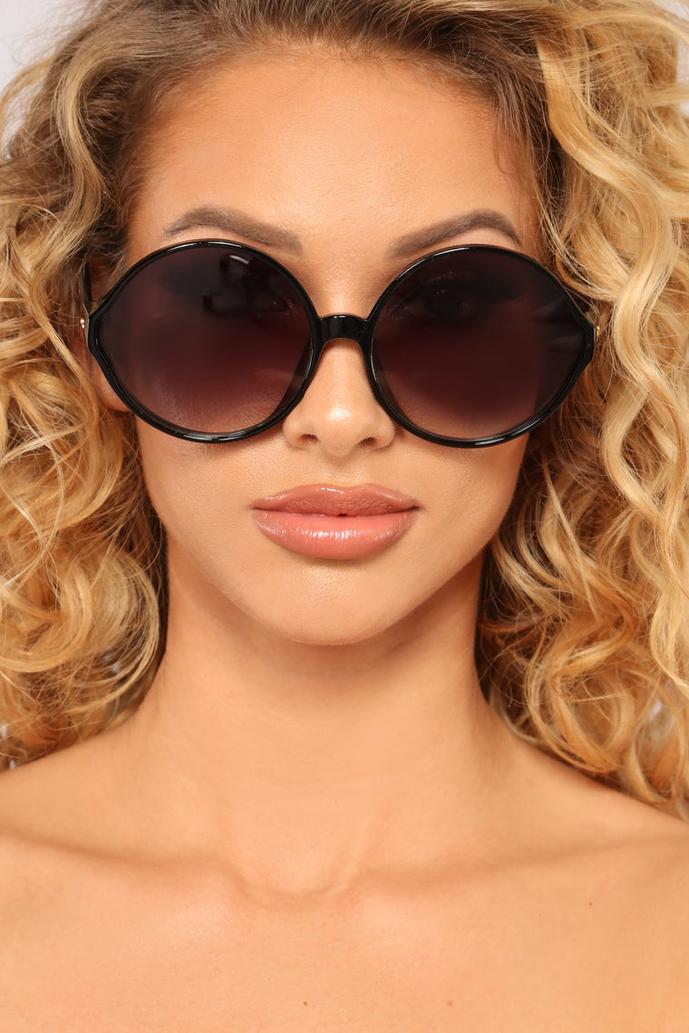 City Chic Round Sunglasses - Black