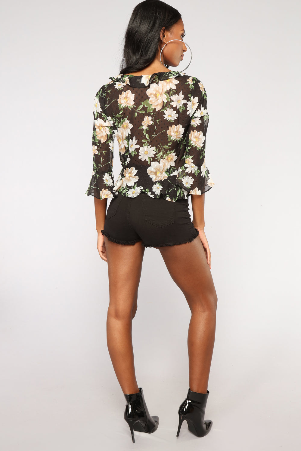 Know What I Want Floral Top - Black