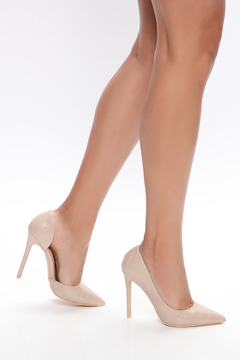 Boss Goals Pumps - Nude