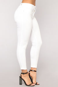 Person Of Interest Mid Rise Jeans - White