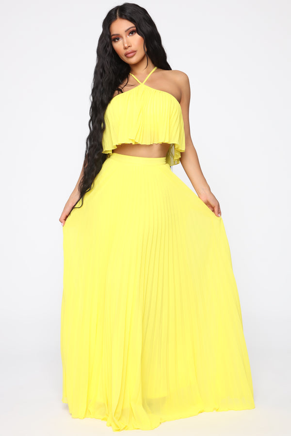 298af82533 Pleating You To Stay Skirt Set - Yellow
