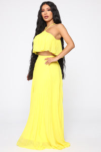 Pleating You To Stay Skirt Set - Yellow