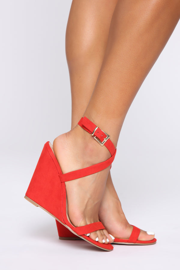 2d01412001 Excuse Me Miss Wedges - Red/Orange