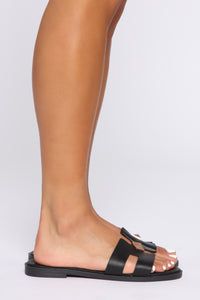 Change Of Heart Flat Sandals - Black