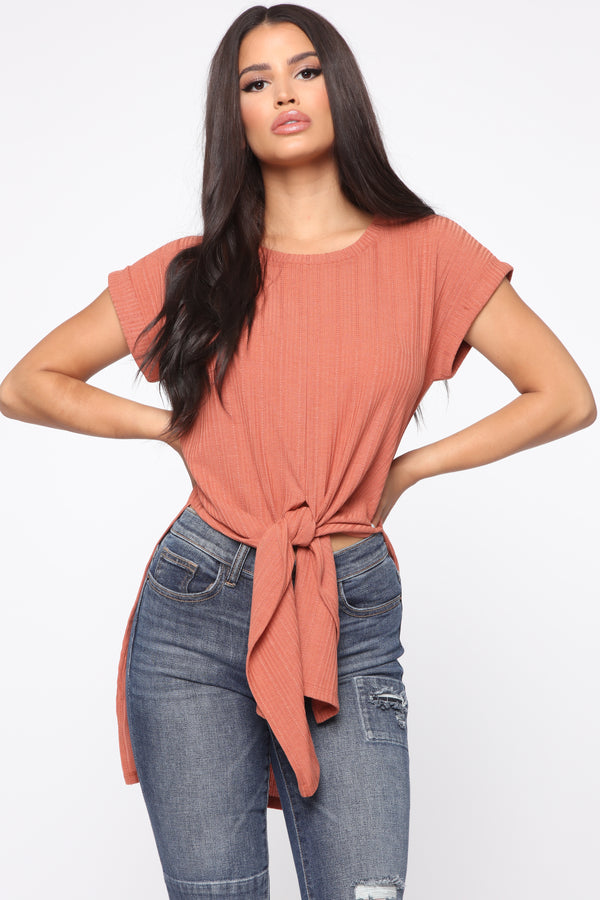 3c58837b37 Sweet and Casual Top - Rust