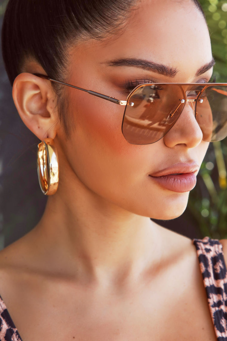 What An Upgrade Sunglasses - Gold/Brown