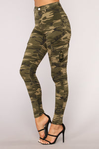 Strong AF Highrise Camo Pants - Camouflage