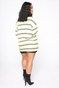 In Your Oversized Tee - Yellow/Multi