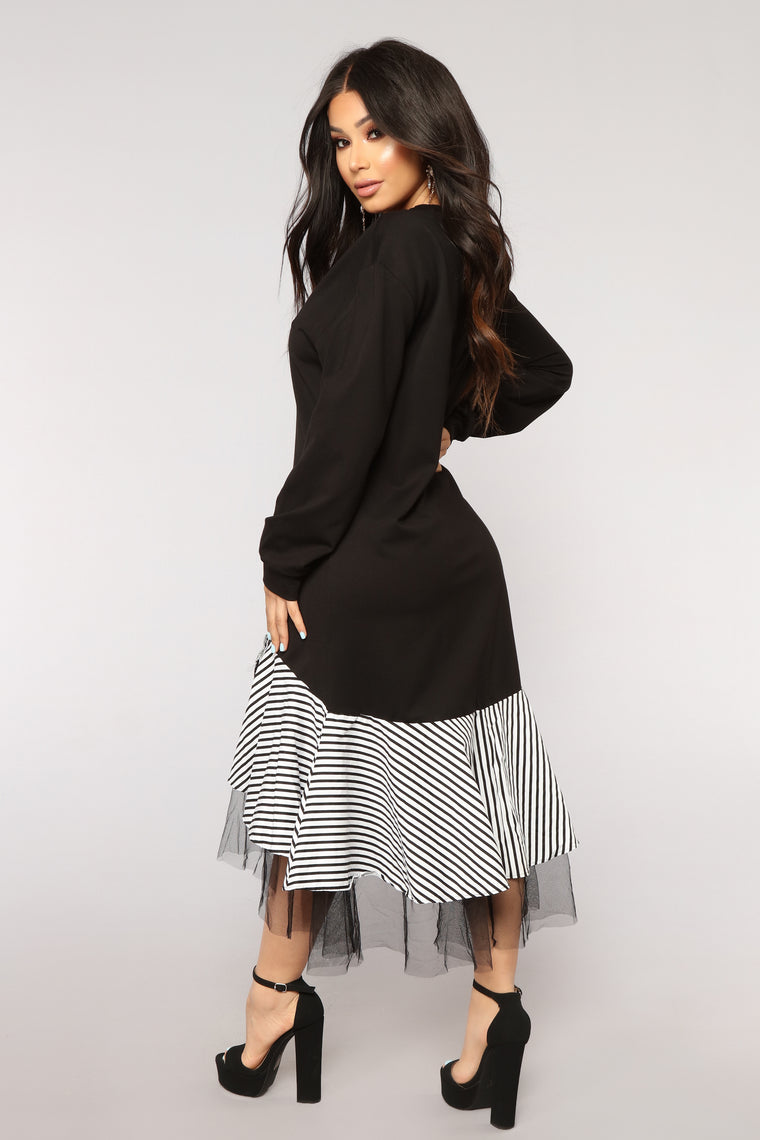 Ruffle Your Feathers Midi Dress - Black