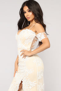 Evening In Roma Embroidered Dress - Ivory/Nude