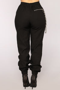 Chain Hang Low Joggers - Black