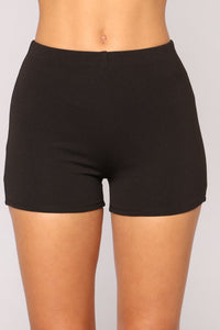 Arm Candy Shorts - Black