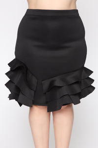 Closing Night Ruffled Midi Skirt - Black