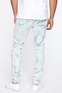 Hustlin Skinny Jean - Bleach Blue Wash Angle 7