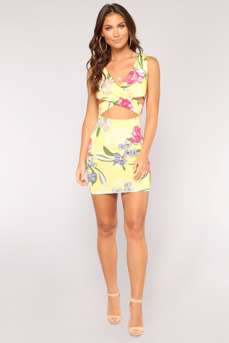 What's Your Sign Floral Dress - Yellow