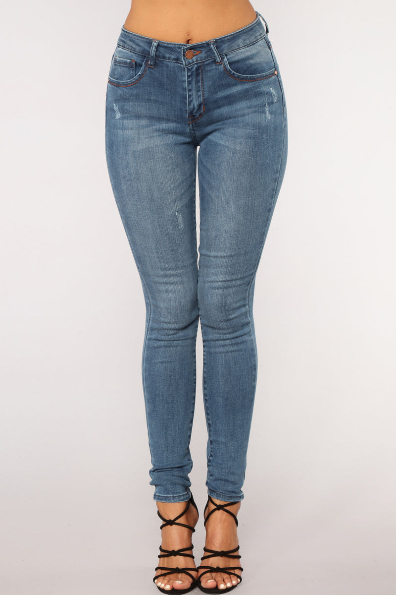 Walkin' Right Out Skinny Jeans - Medium Blue Wash