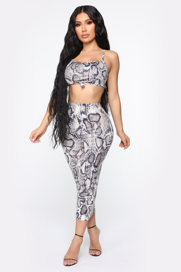 9492ad8614733 Queen Cobra Skirt Set - Taupe Combo