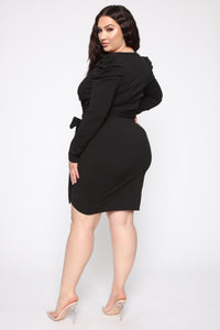 Demure Vix Wrap Dress - Black Angle 4