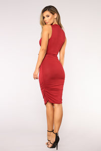 Kacy Ruched Dress - Burgundy