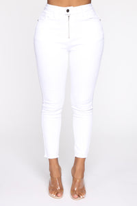 Can't Handle Me Zip Front Ankle Jeans - White