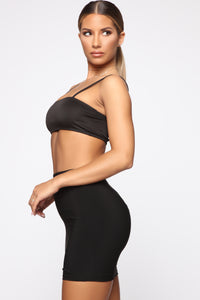 Time To Stand Out Crop Top - Black