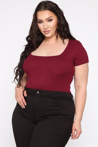 Fallin' Into You Bodysuit - Burgundy