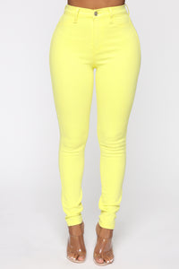 Eva Super Soft Curvy Skinny Jean - Yellow Angle 1