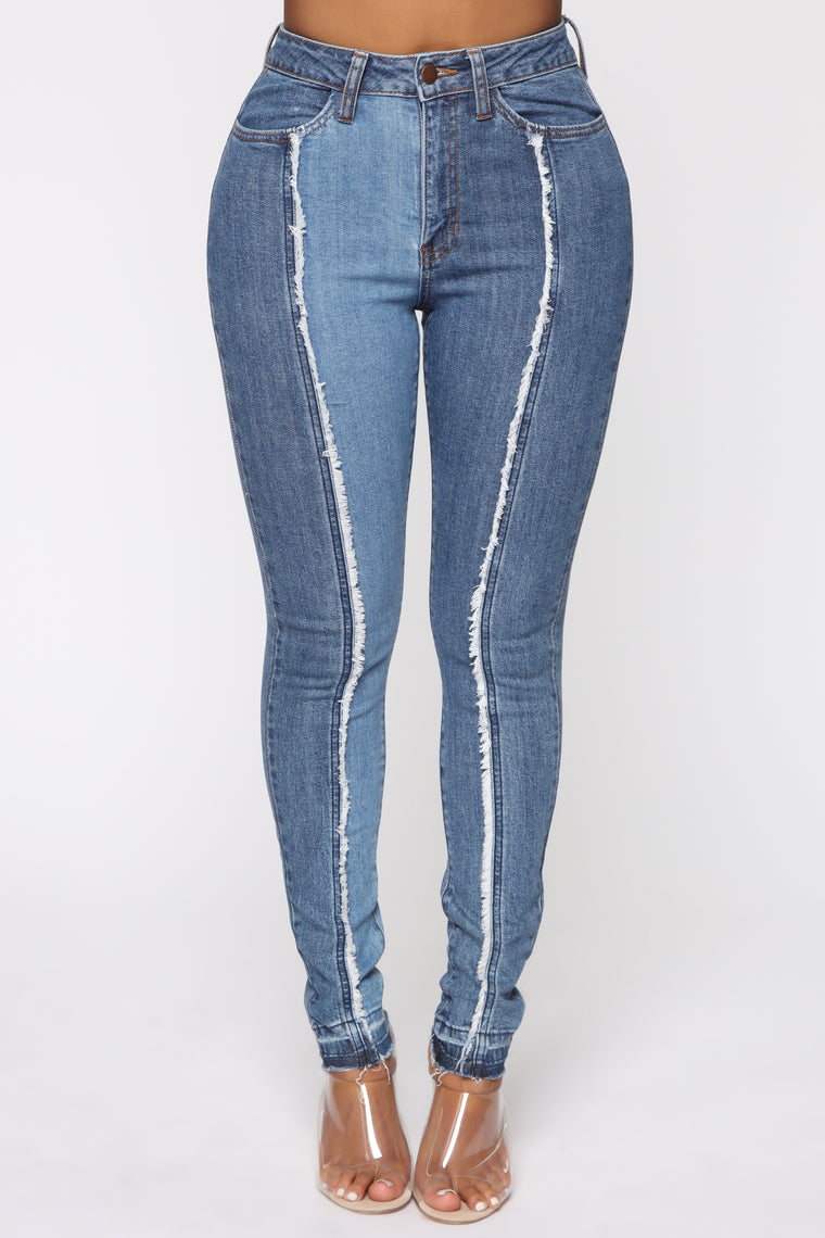 Center Of Your Universe Skinny Jeans - Medium Blue Wash