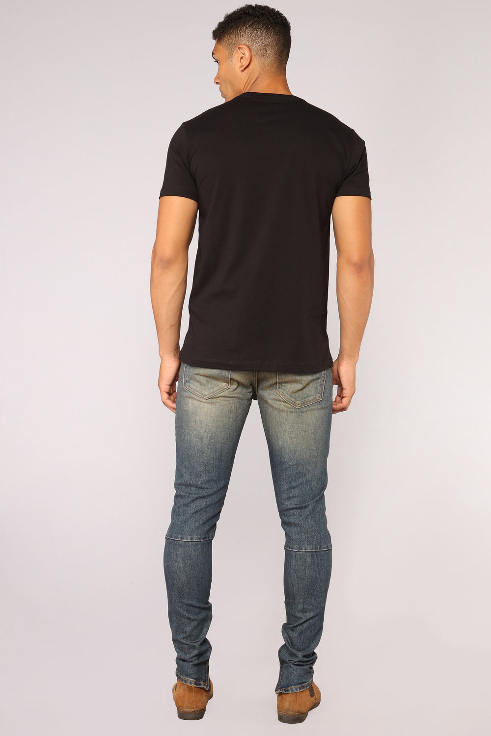 Essential V Neck Tee - Black