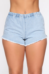Actively Looking Shorts - Light Blue Wash