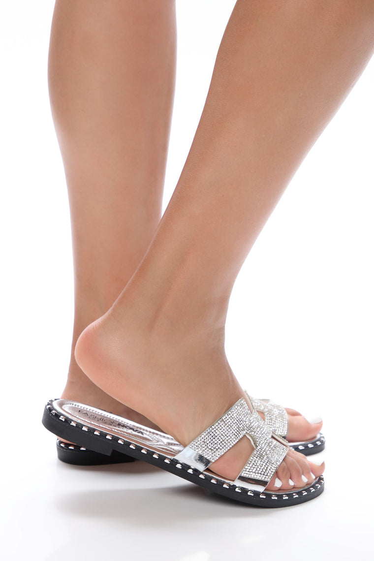 Ultra Luxe Flat Sandals - Silver