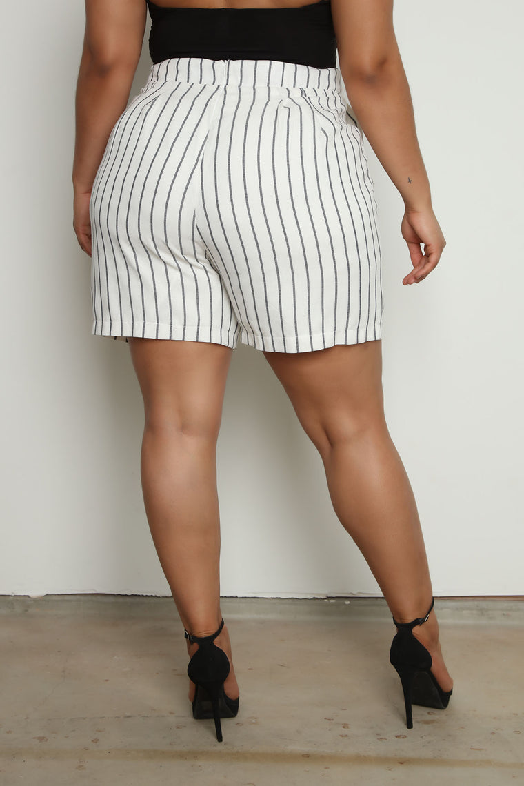 Business Trip Striped High Waist Short - White/combo