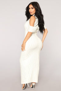 Look Beyond The Pearls Dress - White Angle 5