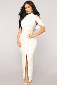 Look Beyond The Pearls Dress - White Angle 4