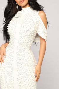 Look Beyond The Pearls Dress - White Angle 3