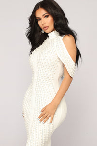 Look Beyond The Pearls Dress - White