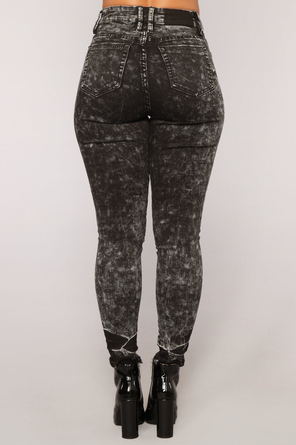 Quest Love Skinny Jeans - Acid Wash Black