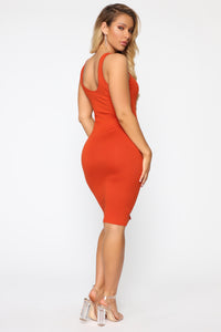 Love Puppy Midi Dress - Rust