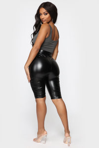 Do My Own Thing Biker Shorts - Black Angle 6