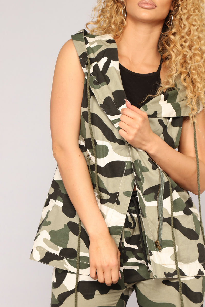 Commander In Chief Camo Vest - Olive