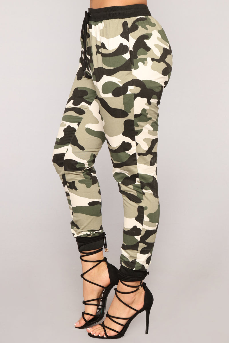 Commander In Chief Camo Joggers - Olive