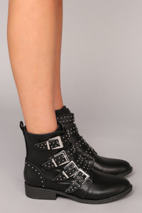 Fasten Up Bootie - Black